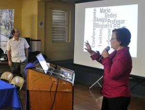 La actividad fue dedicada el Dr. Mario Núñez Molina quien además formó parte del foro 'Mitos y realidades del Open Source'.