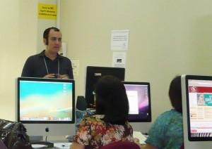 Aquí esto en pleno taller de Podcasting. Fotografía por Antonio Delgado de http://edumorfosis.blogspot.com/