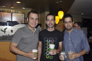 James Lynn, Gustavo Franceschini y Roberto Flores compartiendo después mi la charla en el primer Starbucks Blogger's Room en Starbucks de Caparra. 29 de junio de 2011