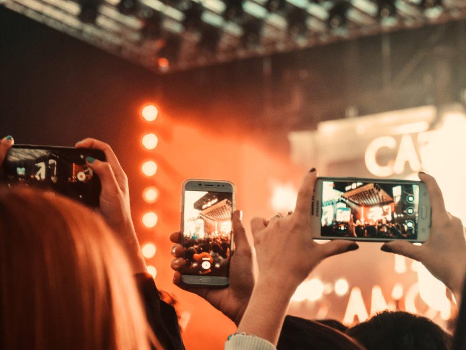 Smartphone concert