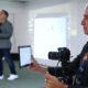 proyección de tableta en pantalla durante el taller