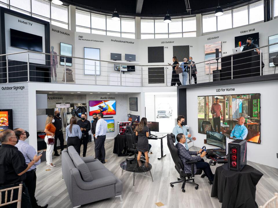 Centro de Experienca y Negocios para Puerto Rico