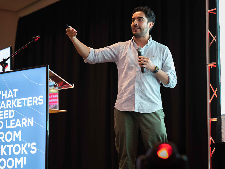 Santiago Bueno, Strategic Planner en de la Cruz